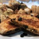 Gegrilde sandwich manchego, vijgenjam en olijven
